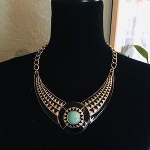 Jewelry - 🌿 Statement Necklace
